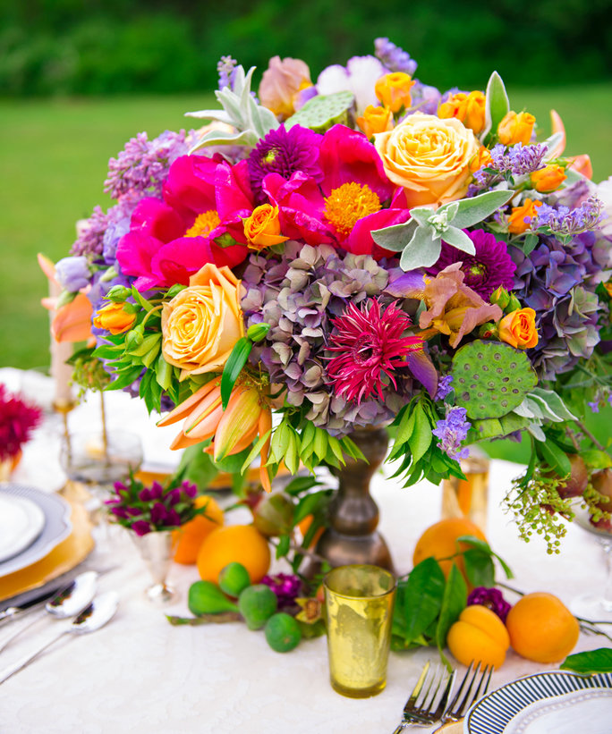 11 New Spring Wedding Trends PLUS A Video On Table-Setting