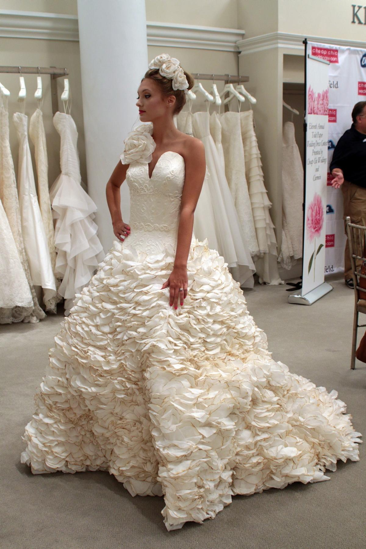 Chic Wedding Dress Contest : Th annual cheap chic weddings toilet paper wedding dress contest g
