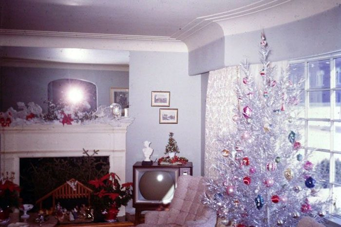 50 Christmas Decorating Trends Through The Years How